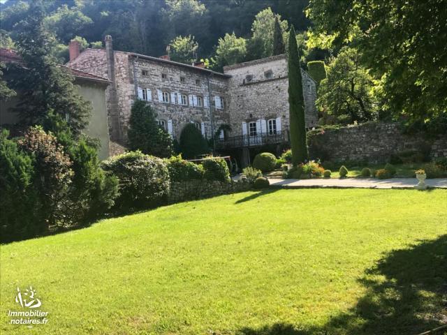 Vente - Maison - Guilherand-Granges - 380.00m² - 13 pièces - Ref : 012