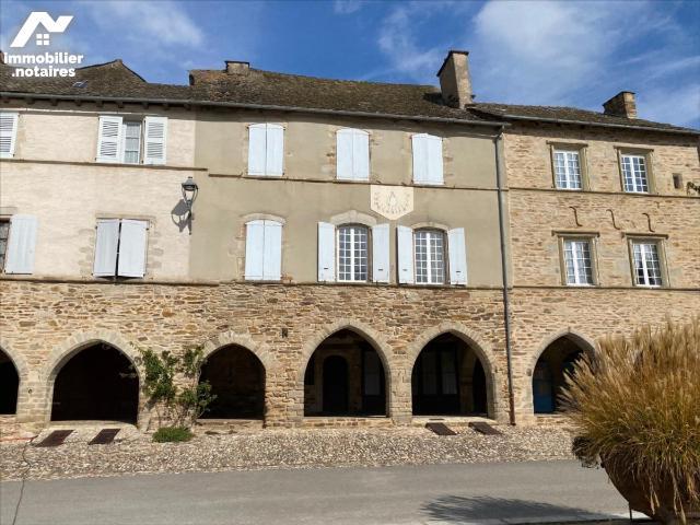 Vente - Maison - Sauveterre-de-Rouergue - 250.0m² - 8 pièces - Ref : LJ700
