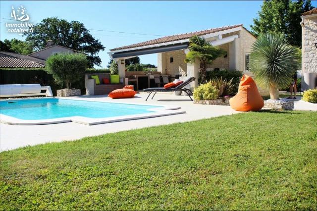 Vente - Maison - Eyragues - 130.00m² - 6 pièces - Ref : 13071-466739
