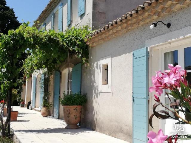 Vente - Maison - Maussane-les-Alpilles - 180.00m² - 7 pièces - Ref : 13080-482102