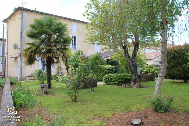 Vente - Maison - Gémozac - 0.00m² - 10 pièces - Ref : 17106-05872