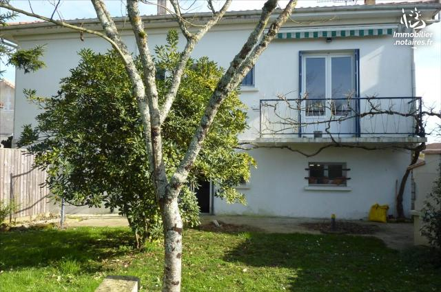 Vente - Maison - Jonzac - 130.0m² - 8 pièces - Ref : 1541