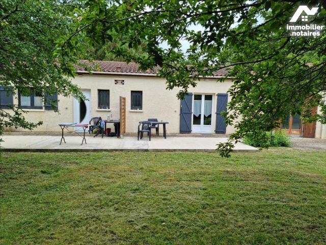 Vente - Maison - Jonzac - 100.0m² - 4 pièces - Ref : 1591