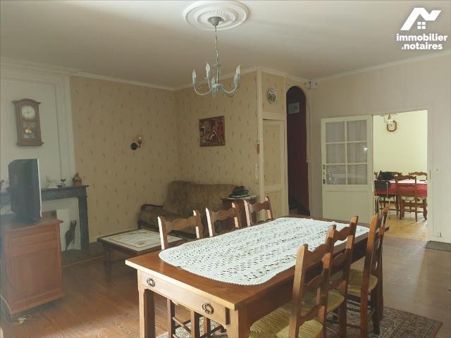 Vente - Maison - Mirambeau - 104.0m² - 6 pièces - Ref : 1594