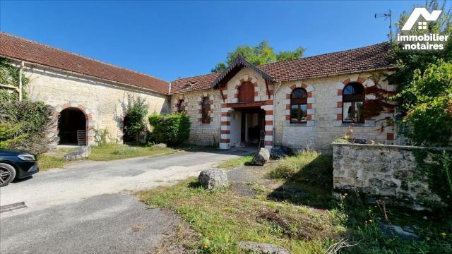 Vente - Maison - Jonzac - 500.0m² - 20 pièces - Ref : 1612