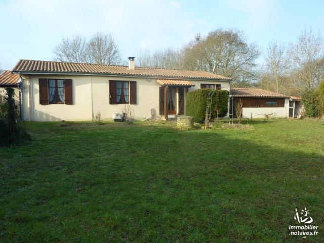 Vente - Maison - Jonzac - 53.0m² - 4 pièces - Ref : 1542