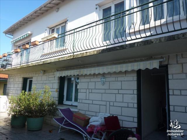 Vente - Maison - Jonzac - 180.0m² - 9 pièces - Ref : 1557