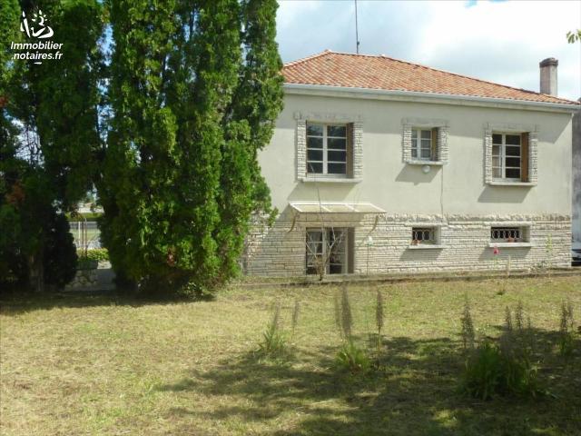 Vente - Maison - Jonzac - 159.00m² - 8 pièces - Ref : 1335