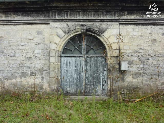Vente - Maison - Jonzac - 2800.0m² - 10 pièces - Ref : 1556
