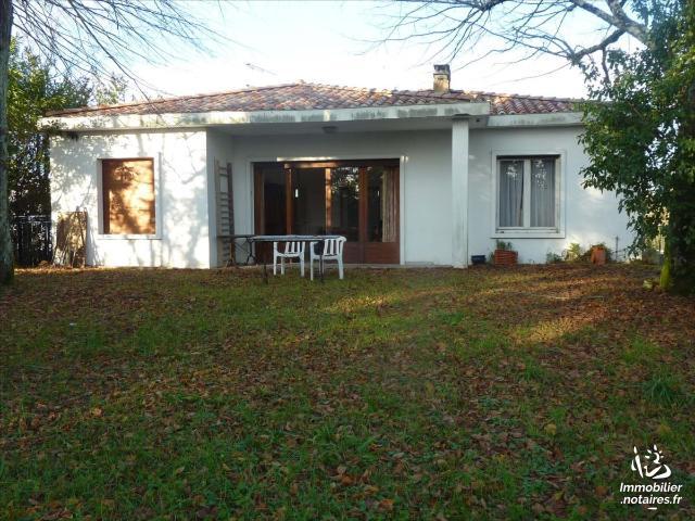 Vente - Maison - Jonzac - 165.0m² - 10 pièces - Ref : 1596