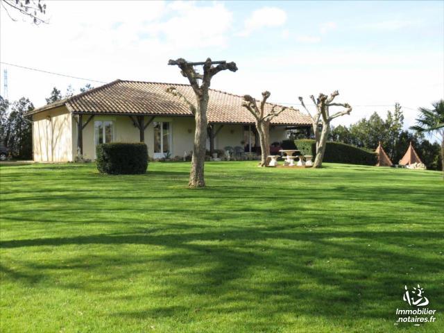 Vente - Maison - Vic-Fezensac - 110.00m² - 4 pièces - Ref : 32010-75