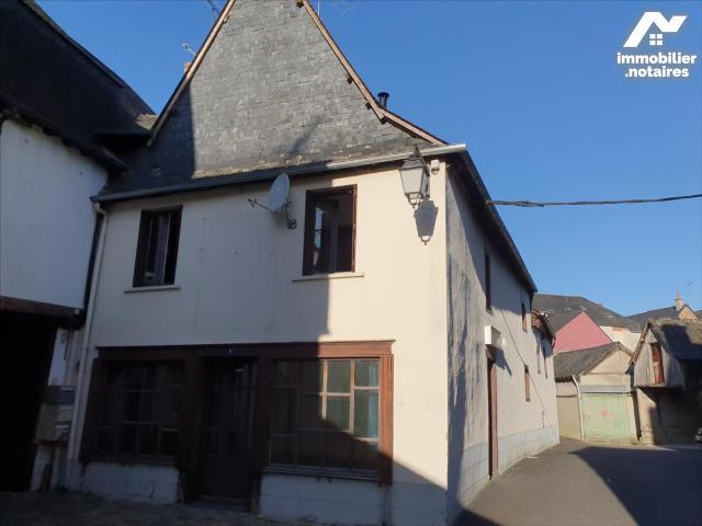 Vente - Maison - Guerche-de-Bretagne - 324.0m² - 8 pièces - Ref : M2503