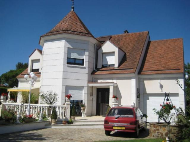 Vente - Maison - Rezé - 223.00m² - 5 pièces - Ref : 44016-74773