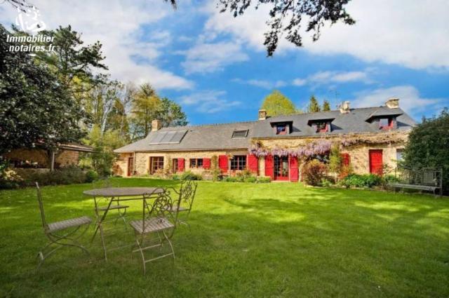 Vente - Maison / villa - PEAULE - 390 m² - 21 pièces - 2445