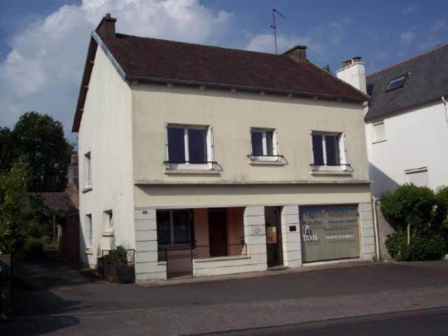 Vente - Maison / villa - MUR DE BRETAGNE - 200 m² - 8 pièces - M/018