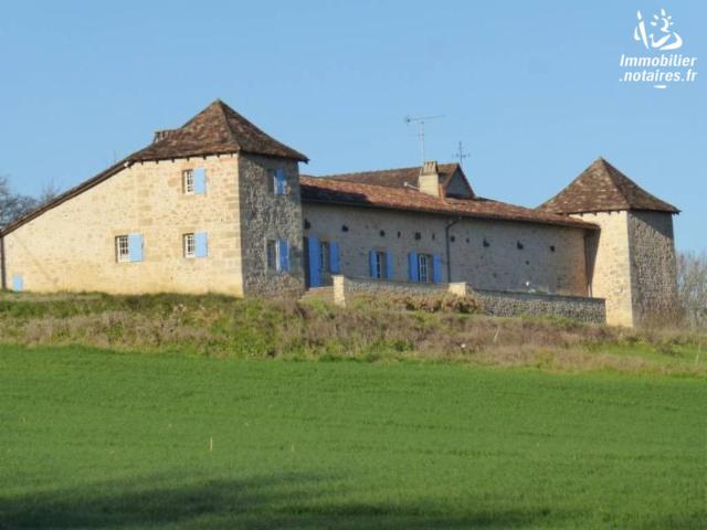 Vente - Maison - Saint-Vincent-sur-l'Isle - 377.00m² - 10 pièces - Ref : 314446