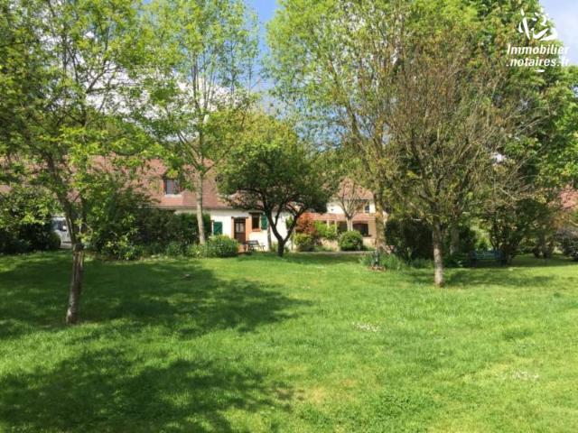 Vente - Maison - Chemiré-le-Gaudin - 490.00m² - 18 pièces - Ref : 72003-287503