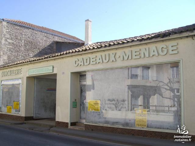 Vente - Local d'activité - Chef-Boutonne - 100.0m² - Ref : 12 061