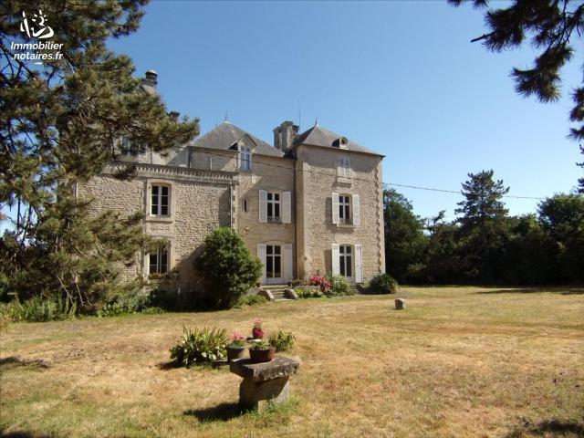 Vente - Maison - Alloinay - 895.00m² - 28 pièces - Ref : 20 631