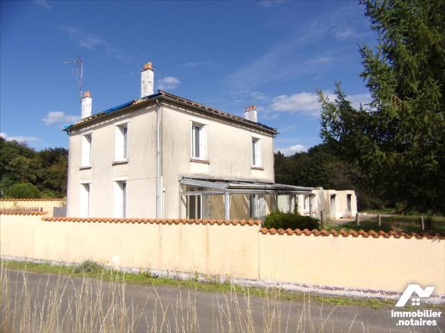 Vente - Maison - Melleran - 249.0m² - 10 pièces - Ref : 21 1174