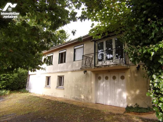 Vente - Maison - Civray - 140.0m² - 7 pièces - Ref : 21 1182