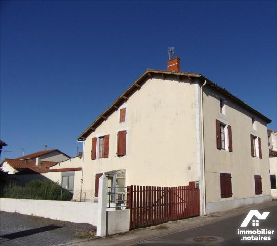 Vente - Maison - Sauzé-Vaussais - 172.89m² - 7 pièces - Ref : 21 1183