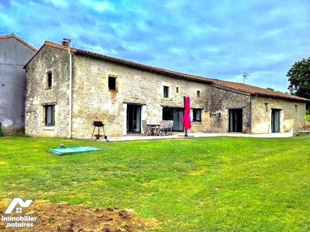 Vente - Maison - Coulonges-sur-l'Autize - 259.32m² - 9 pièces - Ref : 79081-924282