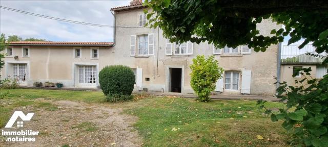 Vente - Maison - Saint-Gelais - 175.66m² - 6 pièces - Ref : 79081-926055