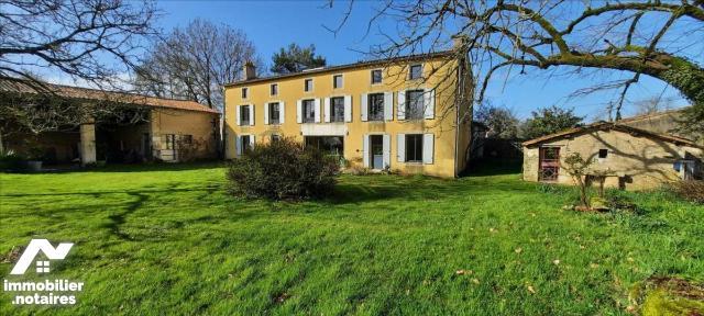 Vente - Maison - Crèche - 242.82m² - 6 pièces - Ref : 79081-926638