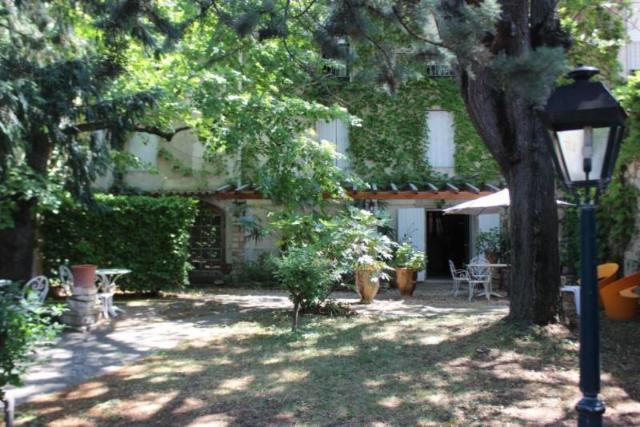 Vente - Maison - Valréas - 1000.00m² - 30 pièces - Ref : 84064-201297