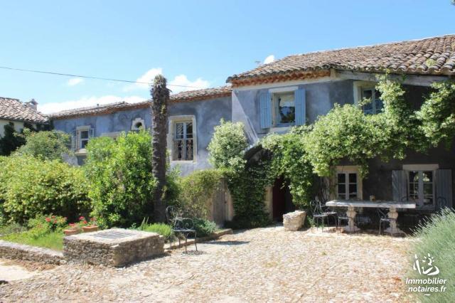 Vente - Maison - Valréas - 445.00m² - 21 pièces - Ref : 84064-366021