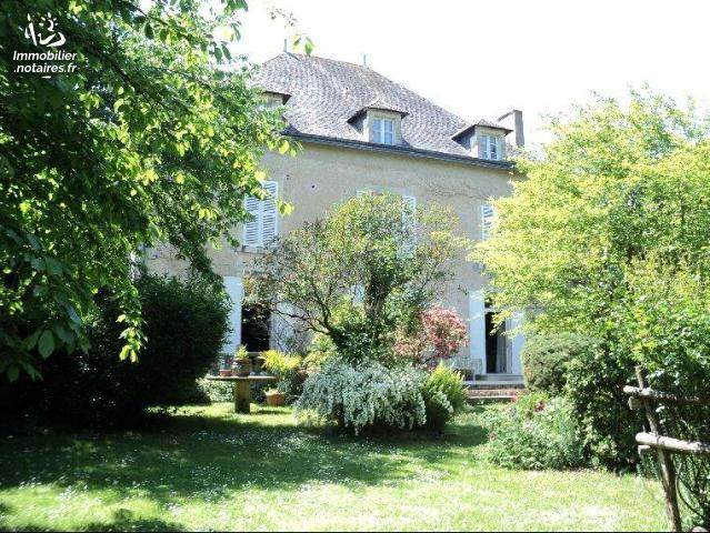 Vente - Maison - Rom - 305.0m² - 7 pièces - Ref : 86047-338