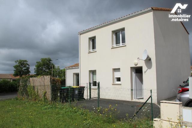 Vente - Maison - Niort - 92.14m² - 5 pièces - Ref : 79004-168
