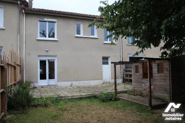 Vente - Maison - Niort - 95.0m² - 5 pièces - Ref : 79004-173
