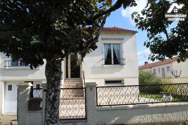 Vente - Maison - Niort - 126.0m² - 7 pièces - Ref : 79004-178