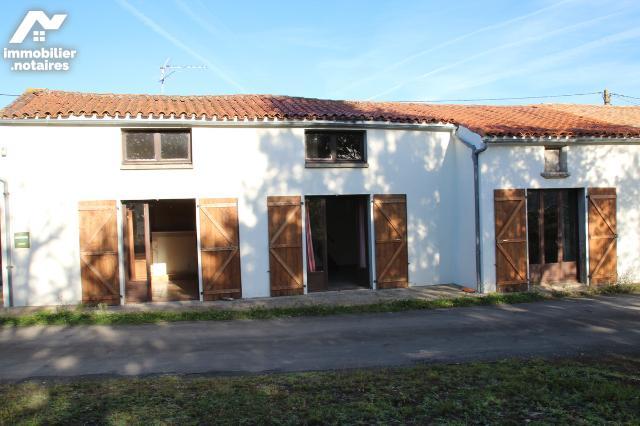 Vente - Maison - Villiers-en-Plaine - 100.0m² - Ref : 79004-179
