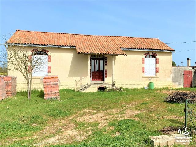 Vente - Maison - Bournezeau - 105.0m² - 4 pièces - Ref : 85005-310