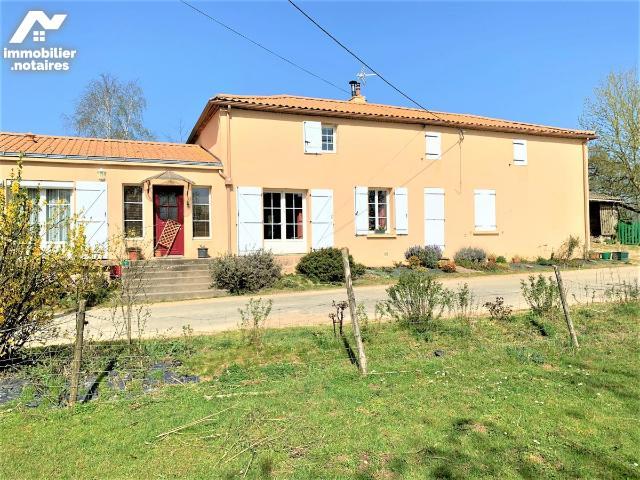 Vente - Maison - Chaize-le-Vicomte - 143.0m² - 6 pièces - Ref : 85005-346