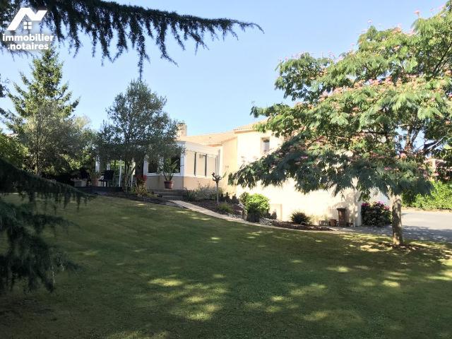 Vente - Maison - Chantonnay - 120.29m² - 7 pièces - Ref : 85006-926