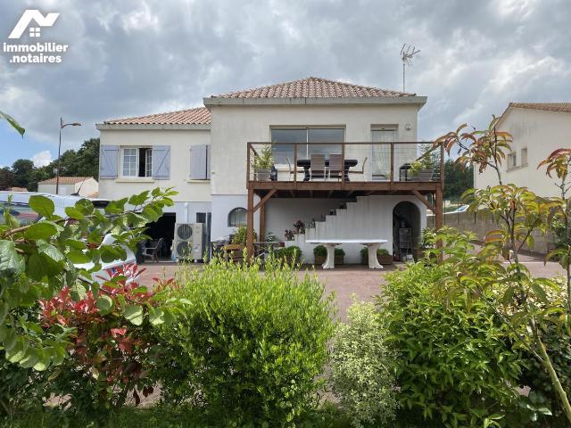 Vente - Maison - Achards - 212.0m² - Ref : 85072-892