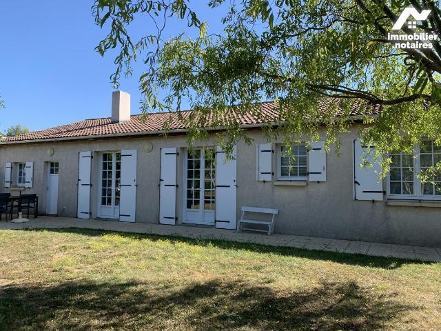 Vente - Maison - Luçon - 99.0m² - 5 pièces - Ref : 85088-2103