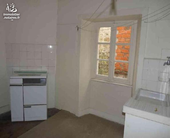 Vente - Maison - Usson-en-Forez - 160.00m² - 8 pièces - Ref : 49/VD/182