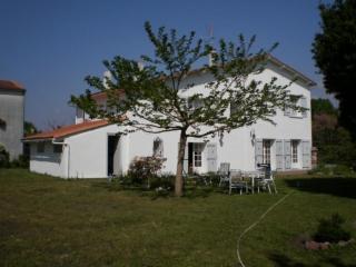 Maison / villa à vendre - ST JUST LUZAC (17) - 6 pièces- 171 m²