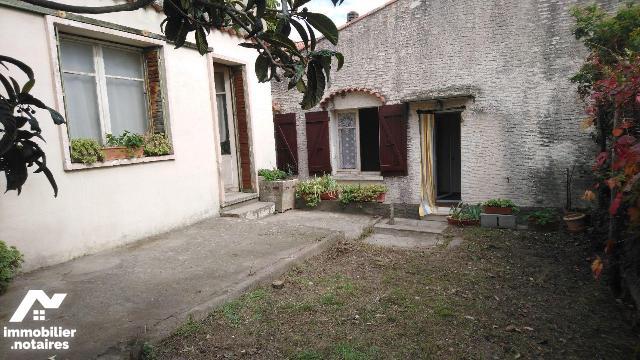 Vente - Maison - Volx - 61.0m² - 4 pièces - Ref : 04025/025/1770
