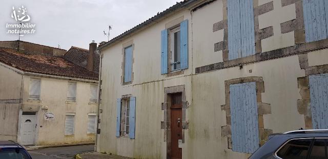 Location - Appartement - Éguille - 44.00m² - 3 pièces - Ref : L00312