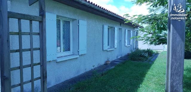 Vente - Maison - Saint-Romain-de-Benet - 114.00m² - 5 pièces - Ref : 01925