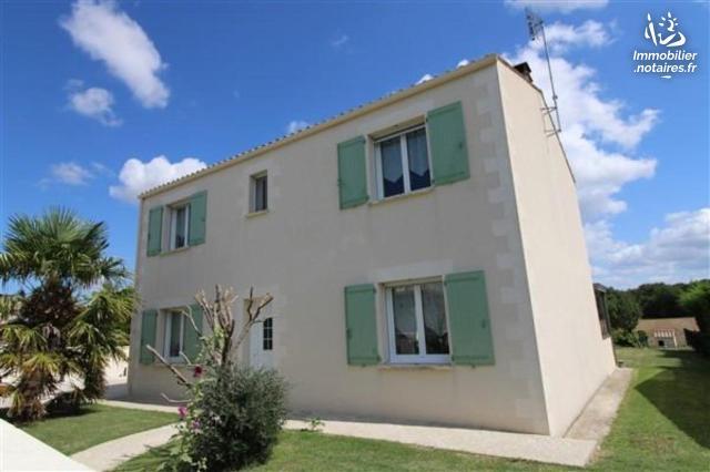Vente - Maison - Saint-Just-Luzac - 140.00m² - 7 pièces - Ref : 01931