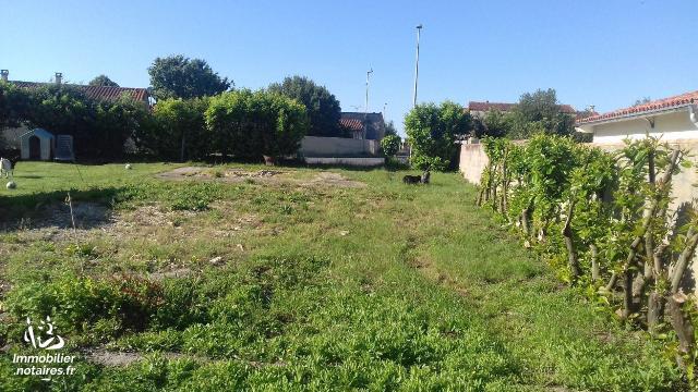 Vente - Terrain à bâtir - Saint-Laurent-de-la-Prée - 500.00m² - Ref : 10726/405