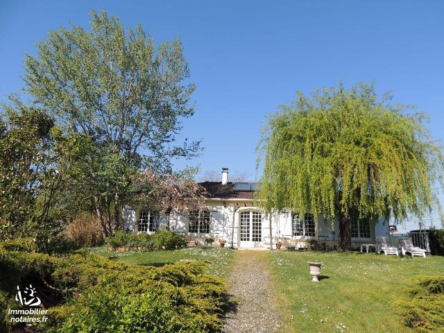 Vente - Maison - Saintes - 137.11m² - 5 pièces - Ref : FM/293