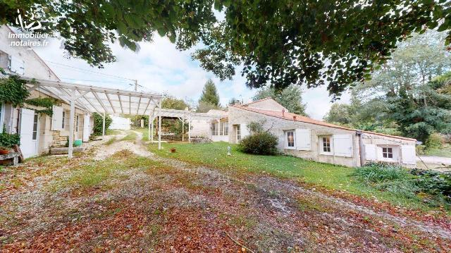 Vente - Maison - Saintes - 201.00m² - 7 pièces - Ref : AB/314